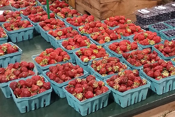 <strong>Fresh Strawberries (in season)</strong>